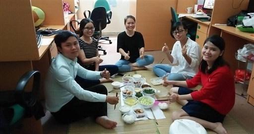 Mời bạn ăn trưa với Tất Thành nhé :)