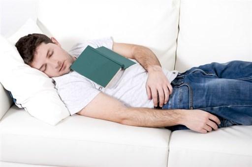 Nhiều người buồn ngủ khi đọc sách. Lý do: bởi mục tiêu của họ quá bé!